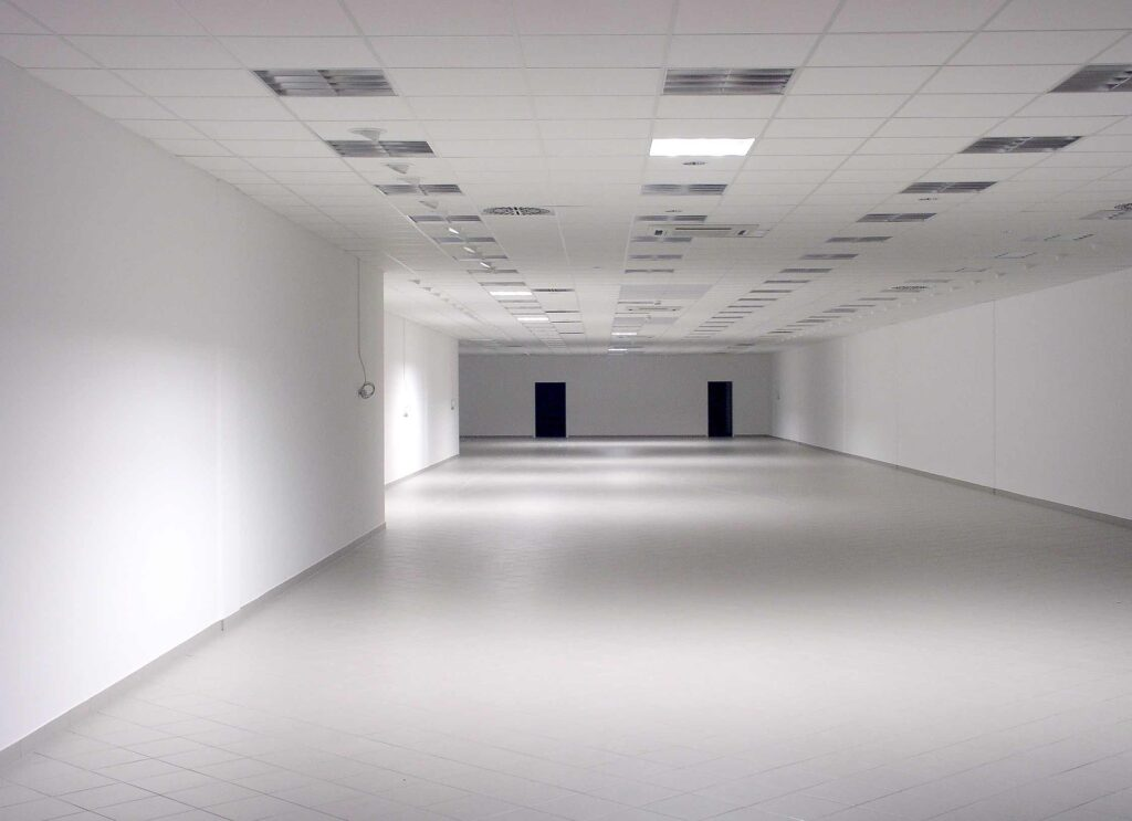 empty office space ready for Houston commercial construction tenant build out